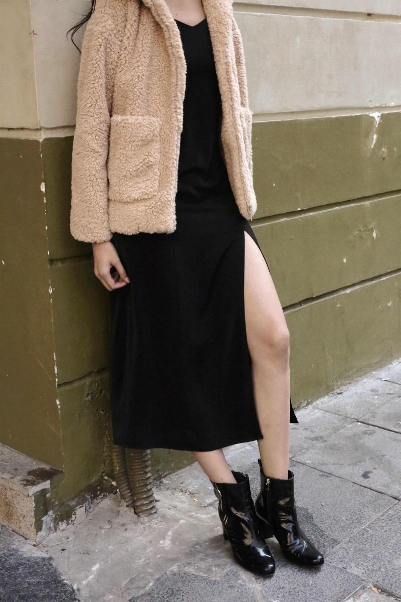 Đầm đen xẻ dài 2