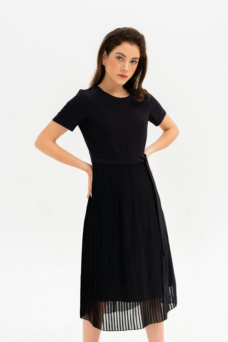 Pleated Shirt Dress - Váy Đen Xếp Li