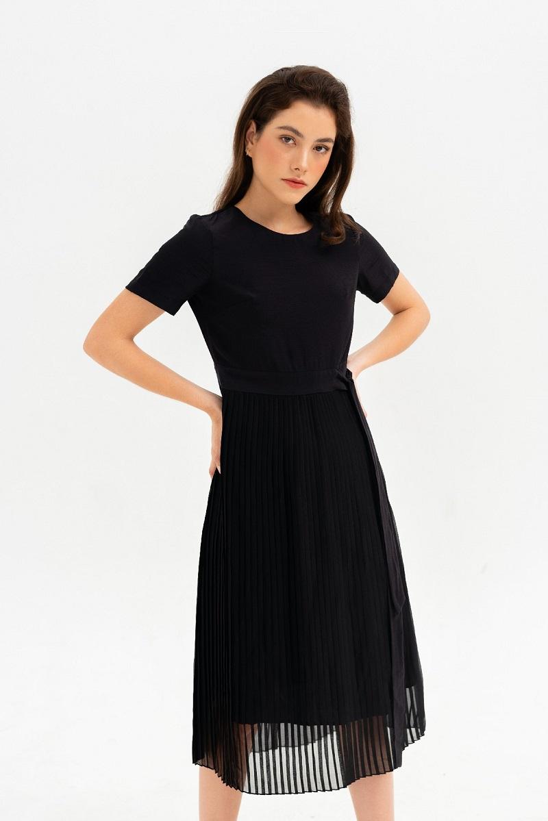 Váy đen xếp li 1