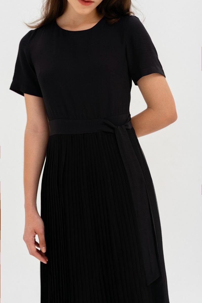 Váy đen xếp li 3