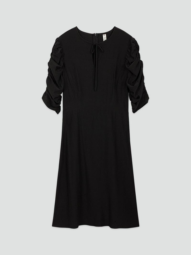 Váy lụa đen rút chun tay 4