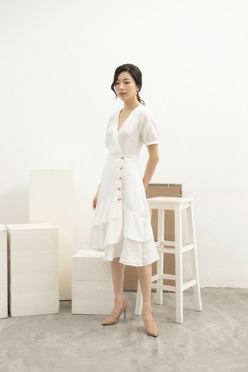 Váy trắng nhiều lớp 3