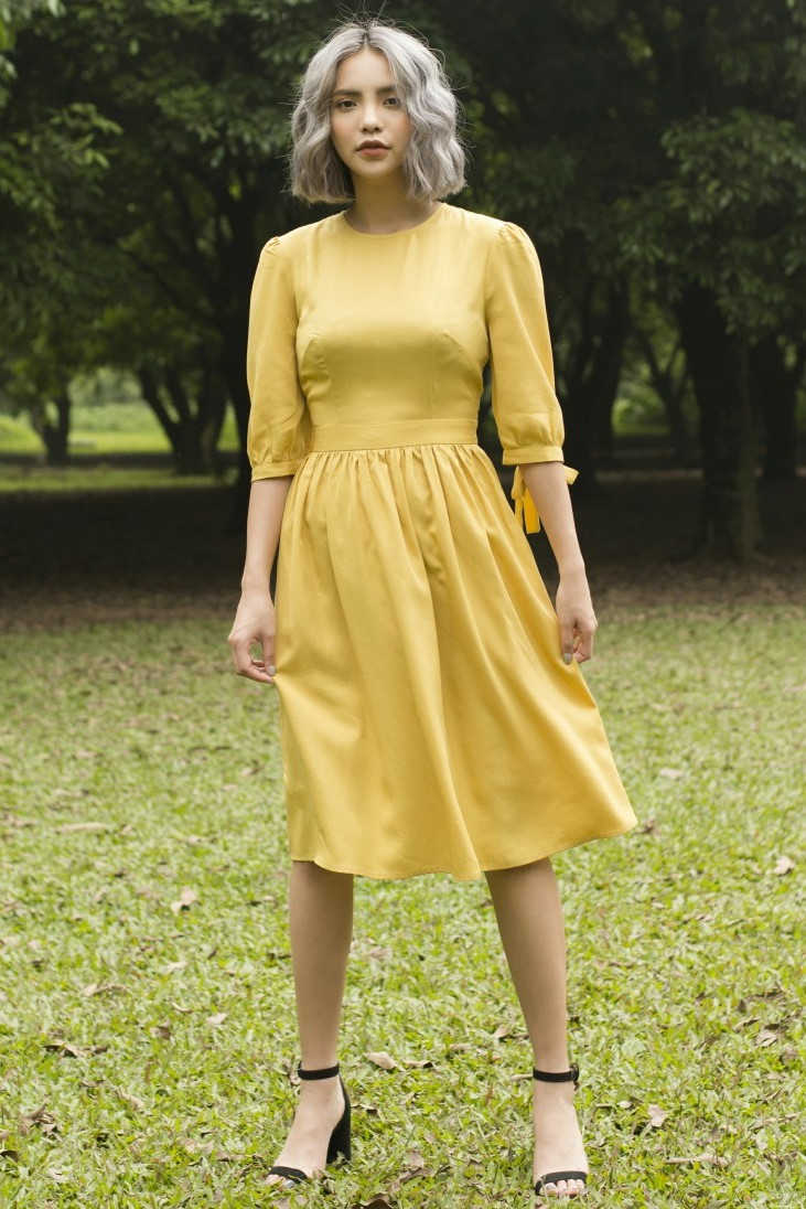 Mustard Cut Out Dress - Váy Xòe Xẻ Lưng