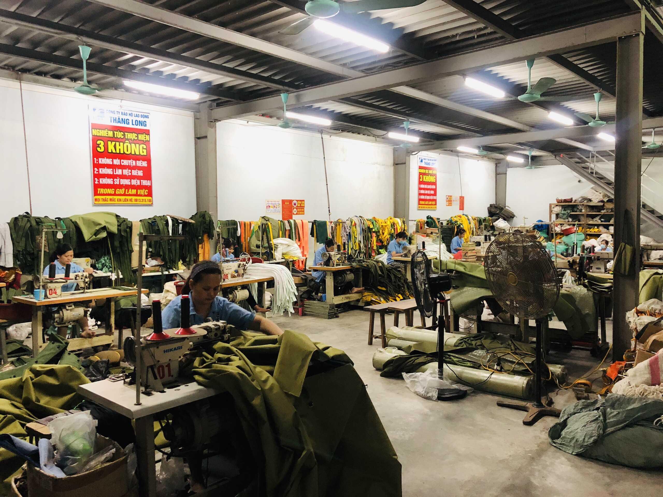 xưởng sản xuất đồ bảo hộ