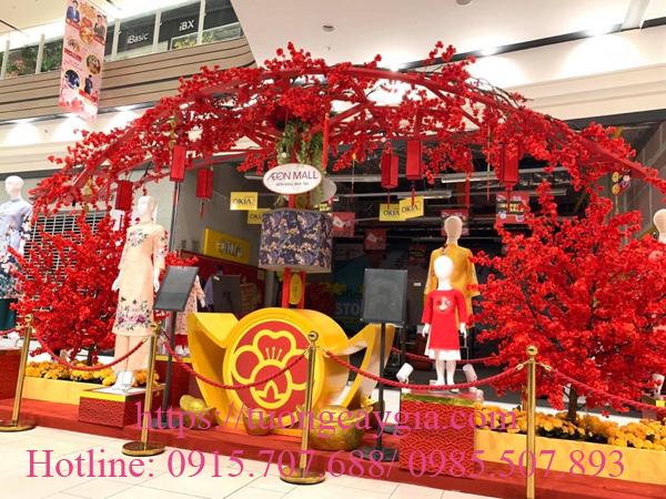 Hoa đào đỏ rực tại Aeon mall Bình Tân - Tp HCM