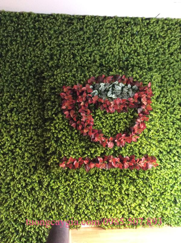 Thi công tường cỏ vảy ốc cà phê Maron Coffee