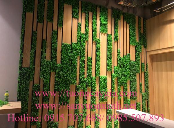 Thi công tường cỏ nghệ thuật tại dự án Vinhome Green Bay