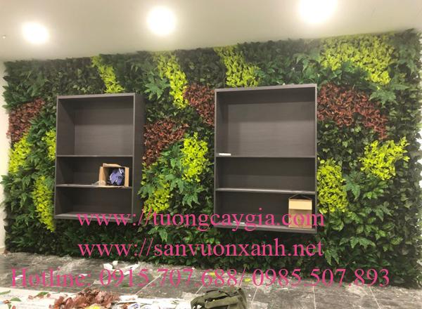 Thi công vách tường cây giả tại văn phòng số 47 Nguyễn Tuân, Hà Nội