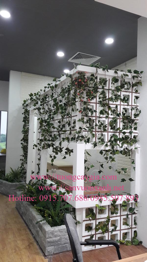 Trang trí dây leo nhựa giá rẻ tại Hà Nội
