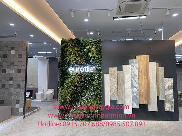 Thi công lắp đặt hệ thống cây lá giả tại Showroom gạch Eurotile