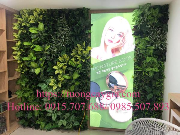 Làm đẹp không gian bằng tường lá giả tại Công ty Mỹ phẩm Korea