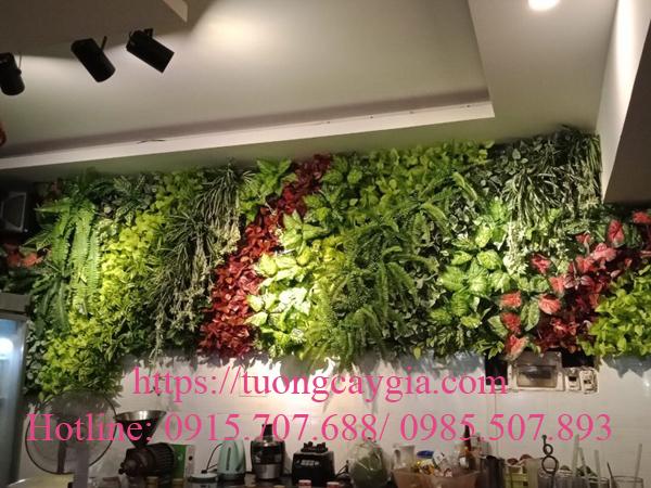 Thi công vách tường cây giả giá rẻ tại Sài Gòn