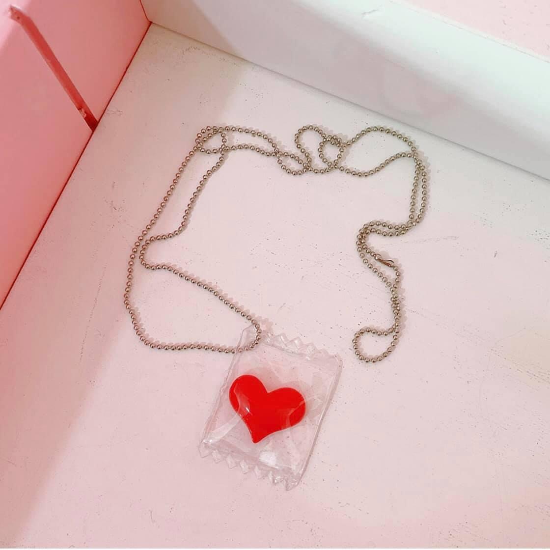 Dây chuyền mặt hình trái tim đỏ