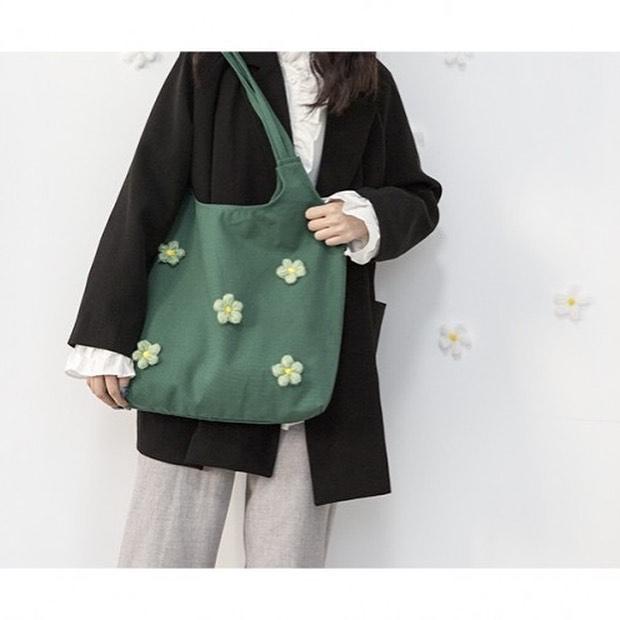 Túi tote xanh đính hoa màu xanh