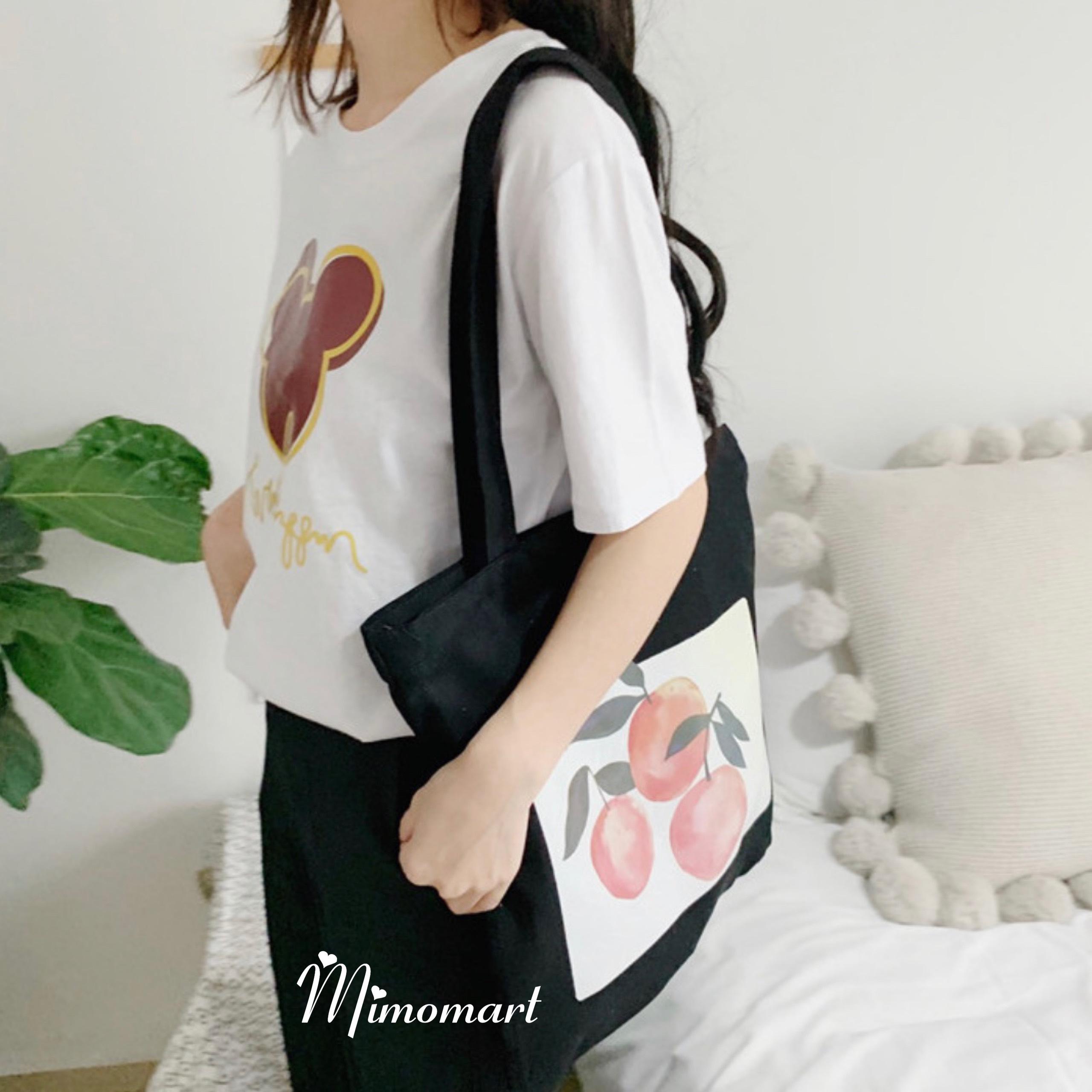 Túi tote đen hình quả đào