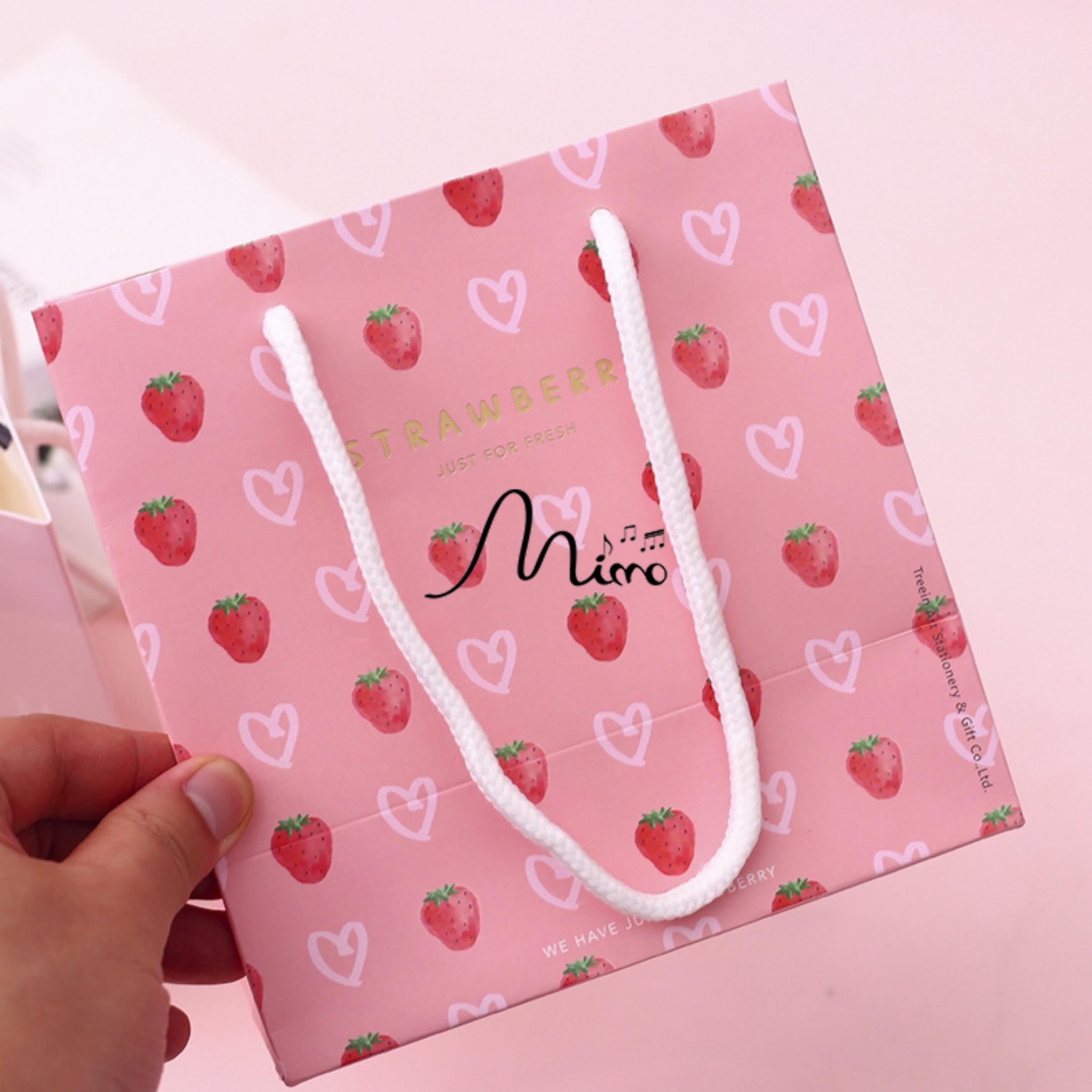 Túi đựng quà Strawberry 16x16cm