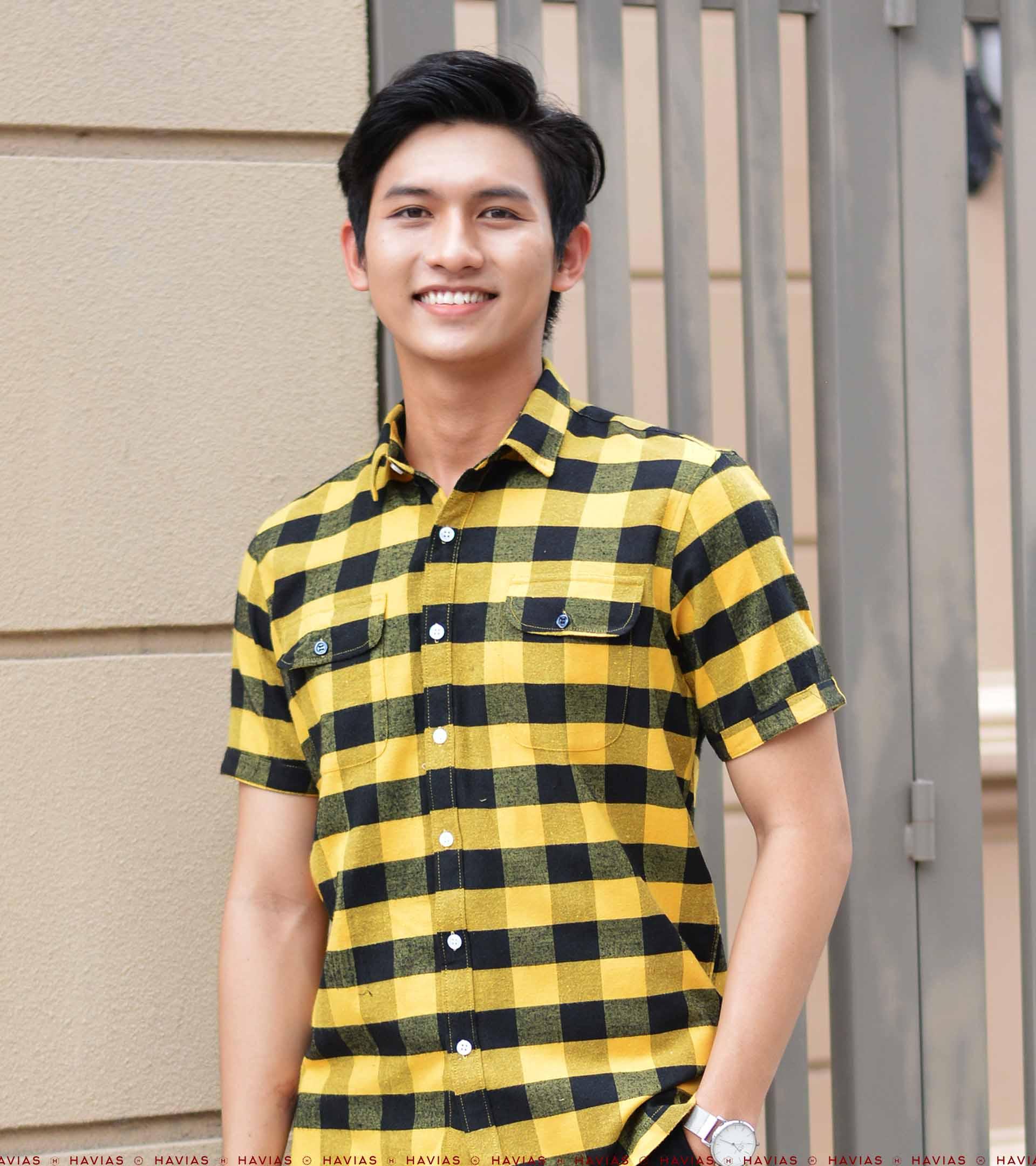 2 Pocket Yellow Black Short Sleeve Button Down Shirt