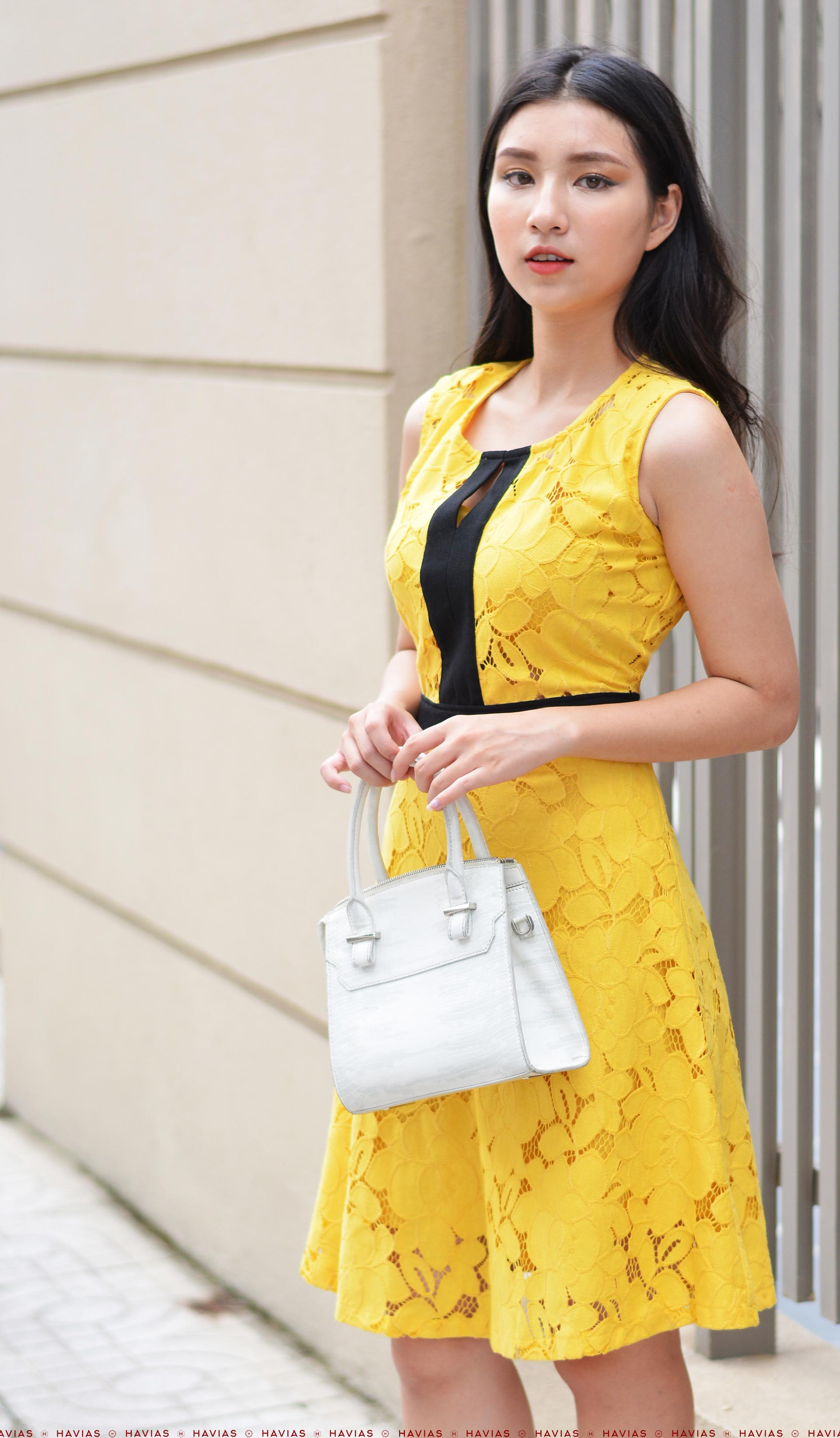 Flowering Mixed Black Yellow Sleeveless Dress