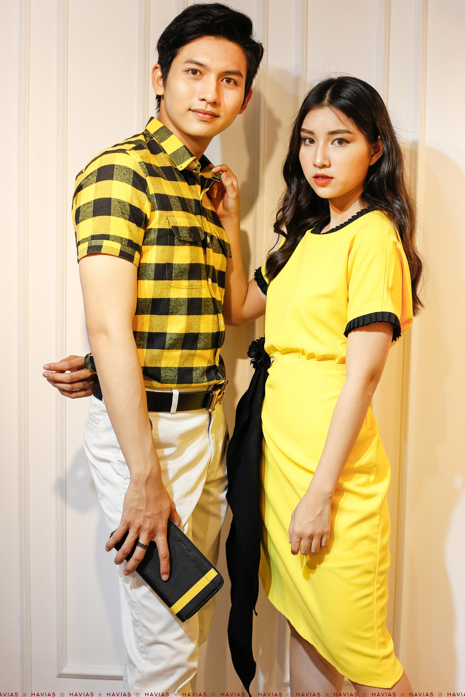 Đồ đôi Couple 2 Pocket Shirt & Black Band Yellow Dress
