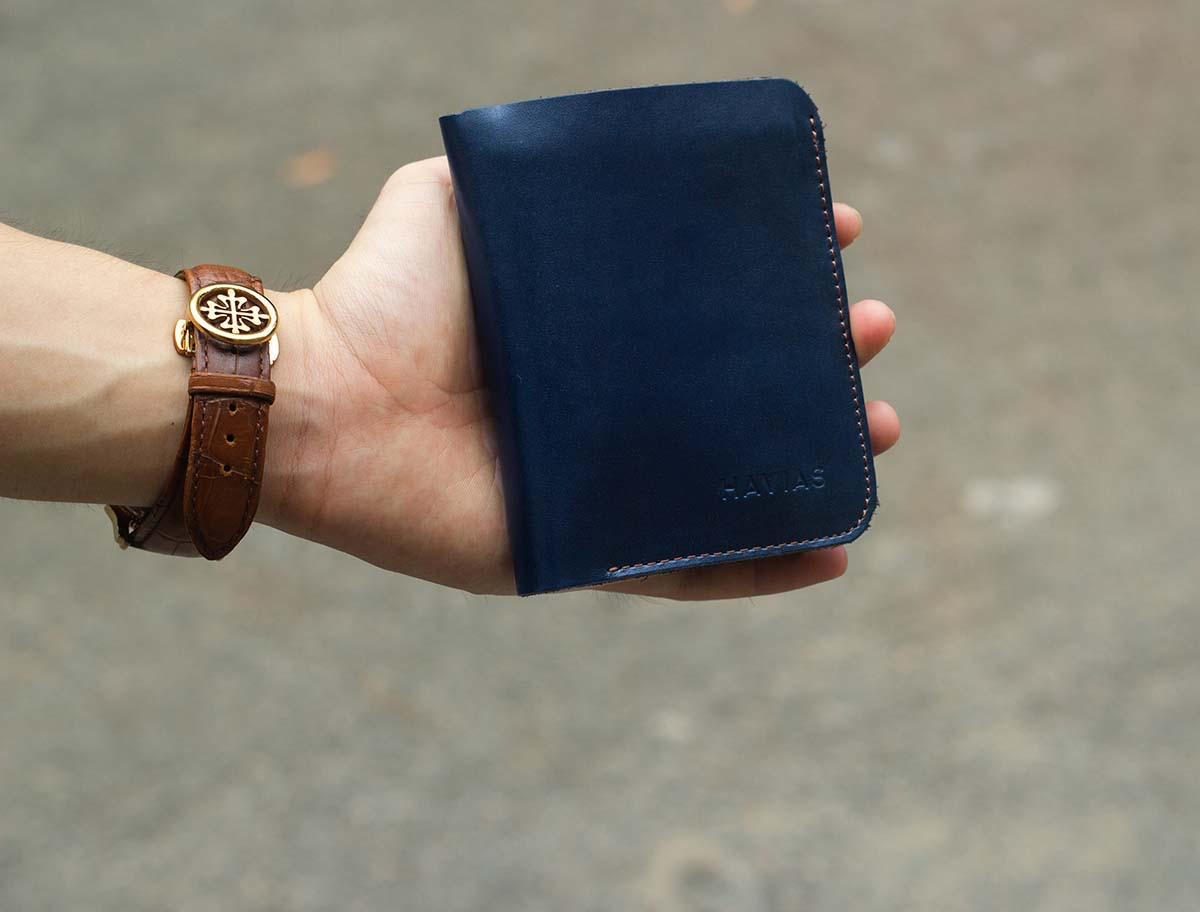 Ví đứng Vertical Handcrafted Wallet xanh Navy