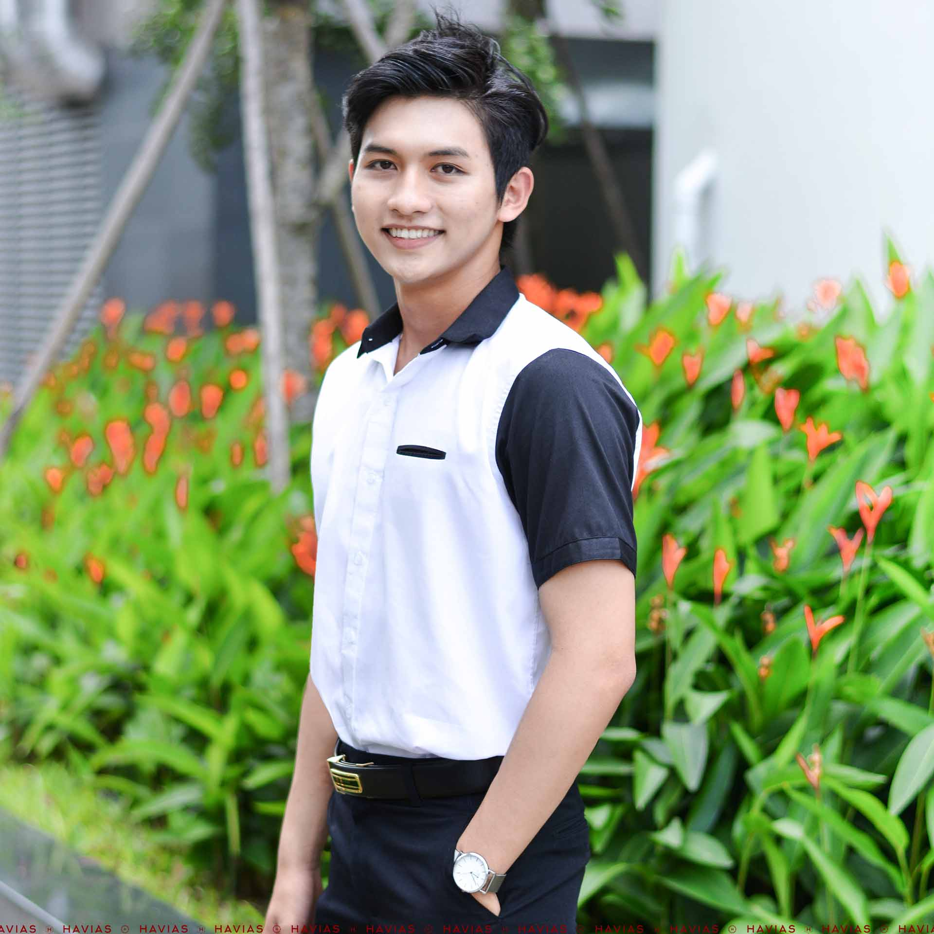 Sơ Mi Thiết Kế Black Short Sleeve White Shirt with Hidden Pocket