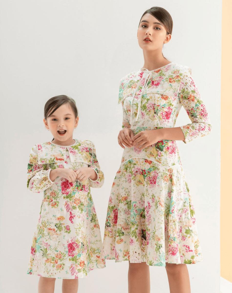 Đầm Tơ Thêu Hoa Bé Gái