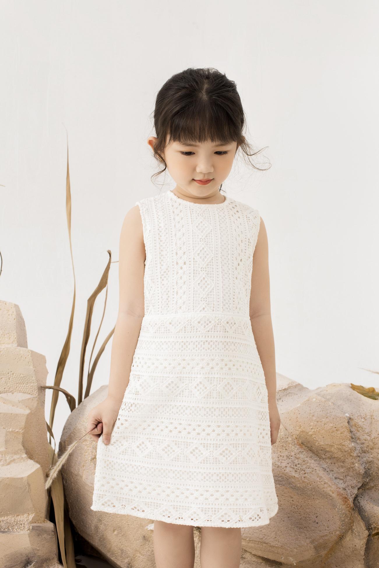 Váy Ren Trắng Suông - Bé Gái