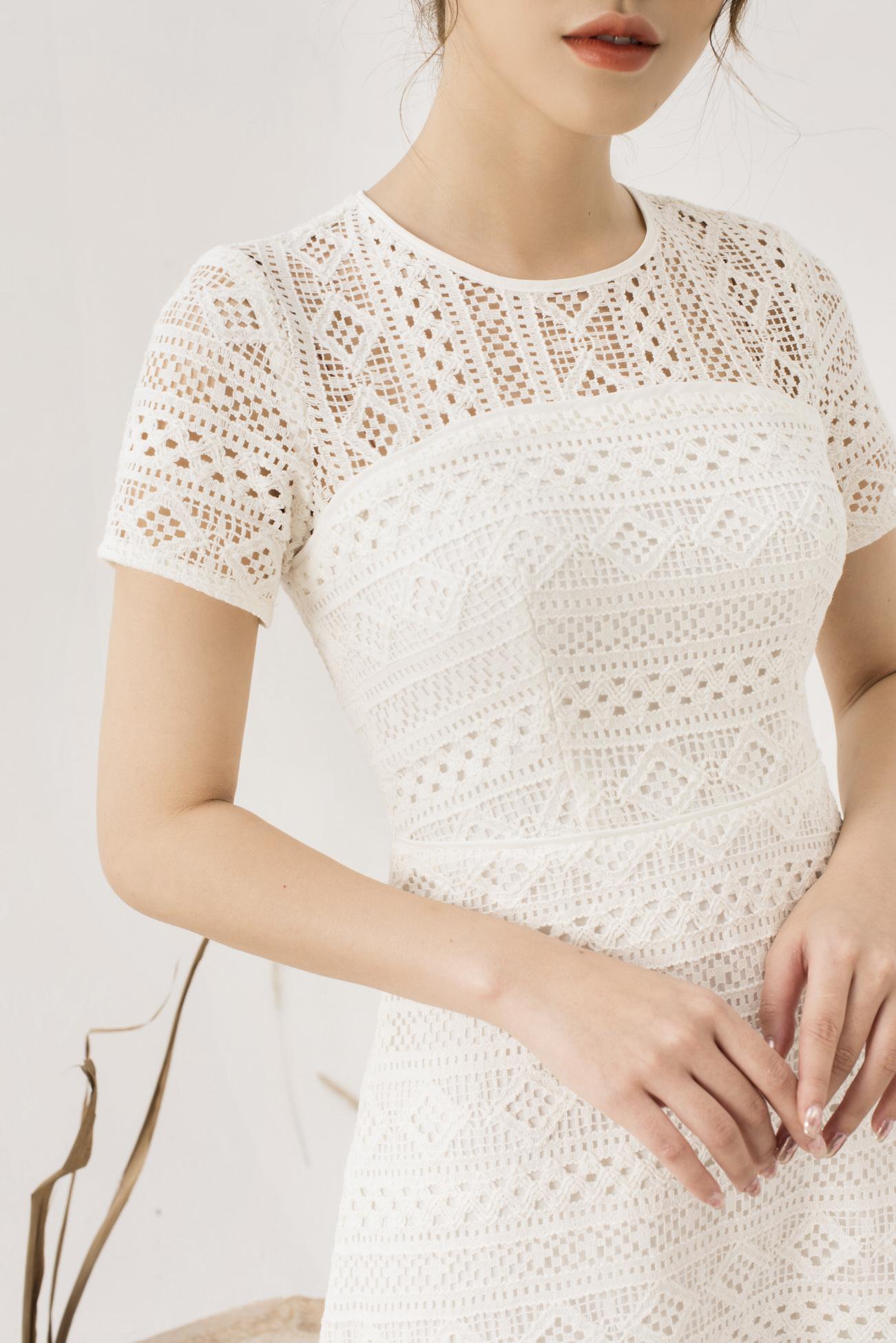 Váy Ren Trắng Suông Chữ A - Nữ