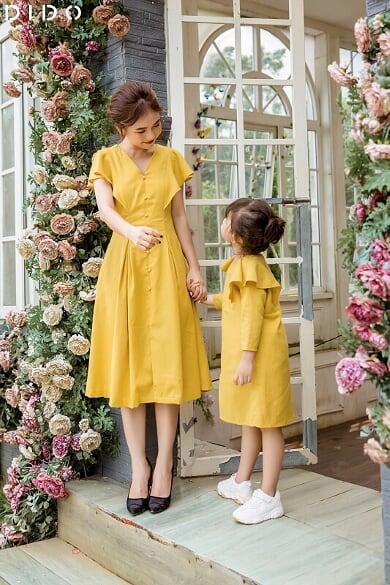 Váy Đũi Vàng Linen Cúc Bọc - Bé Gái
