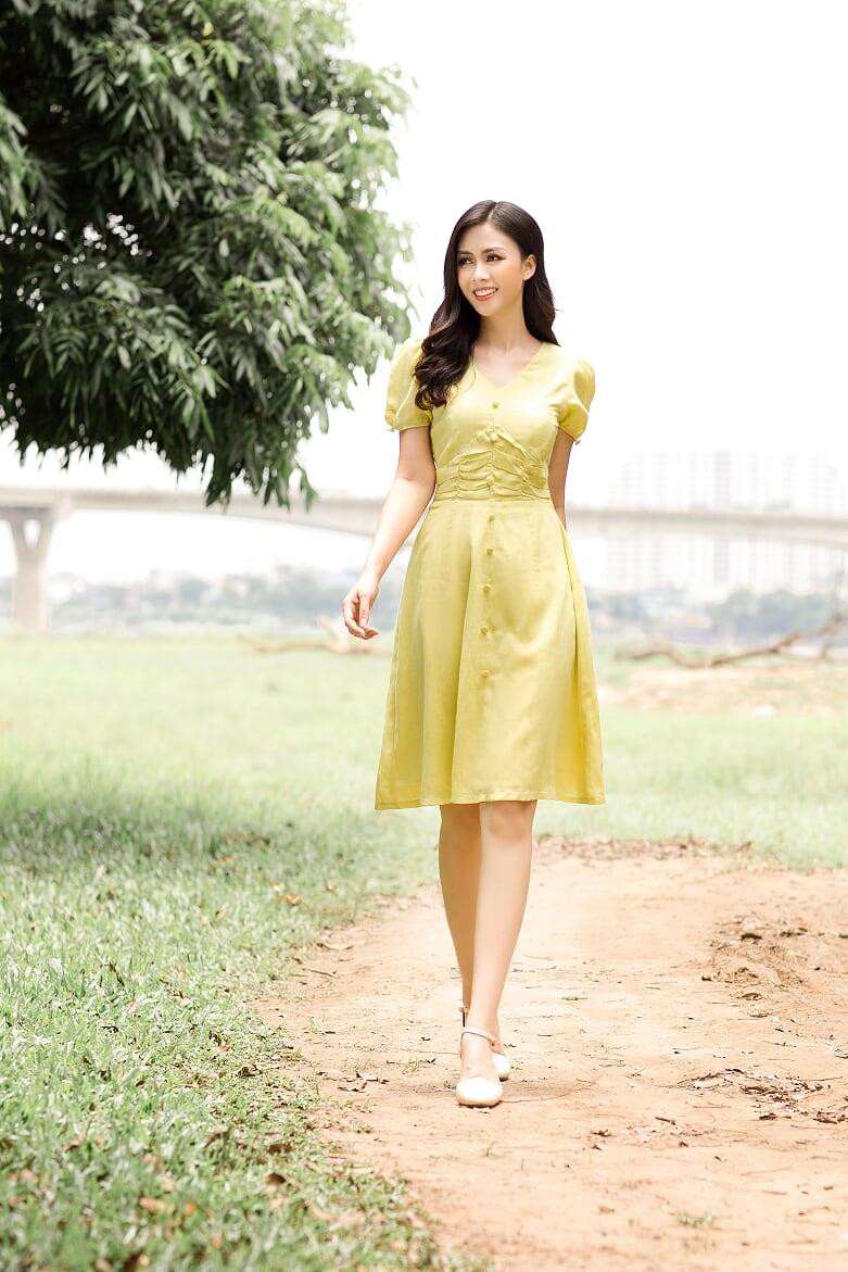 Váy Đũi Vàng Xếp Ly Eo - Nữ