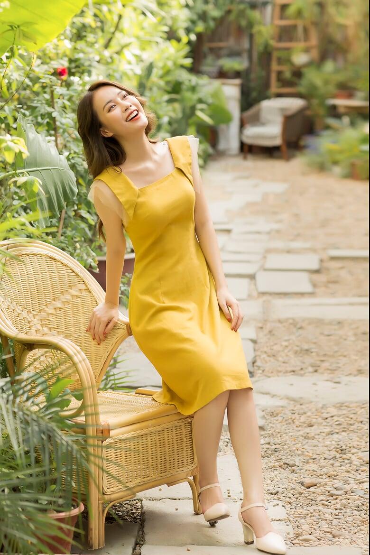 Váy Đũi Vàng Phối Tay Lưới - Nữ