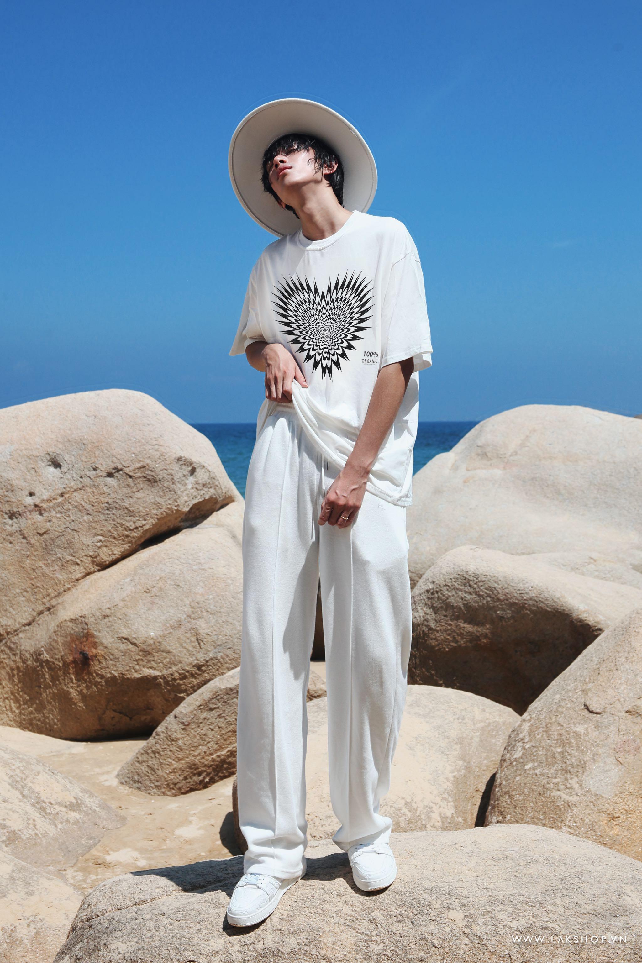 Heart 100% Organic Oversized White T-shirt cv3