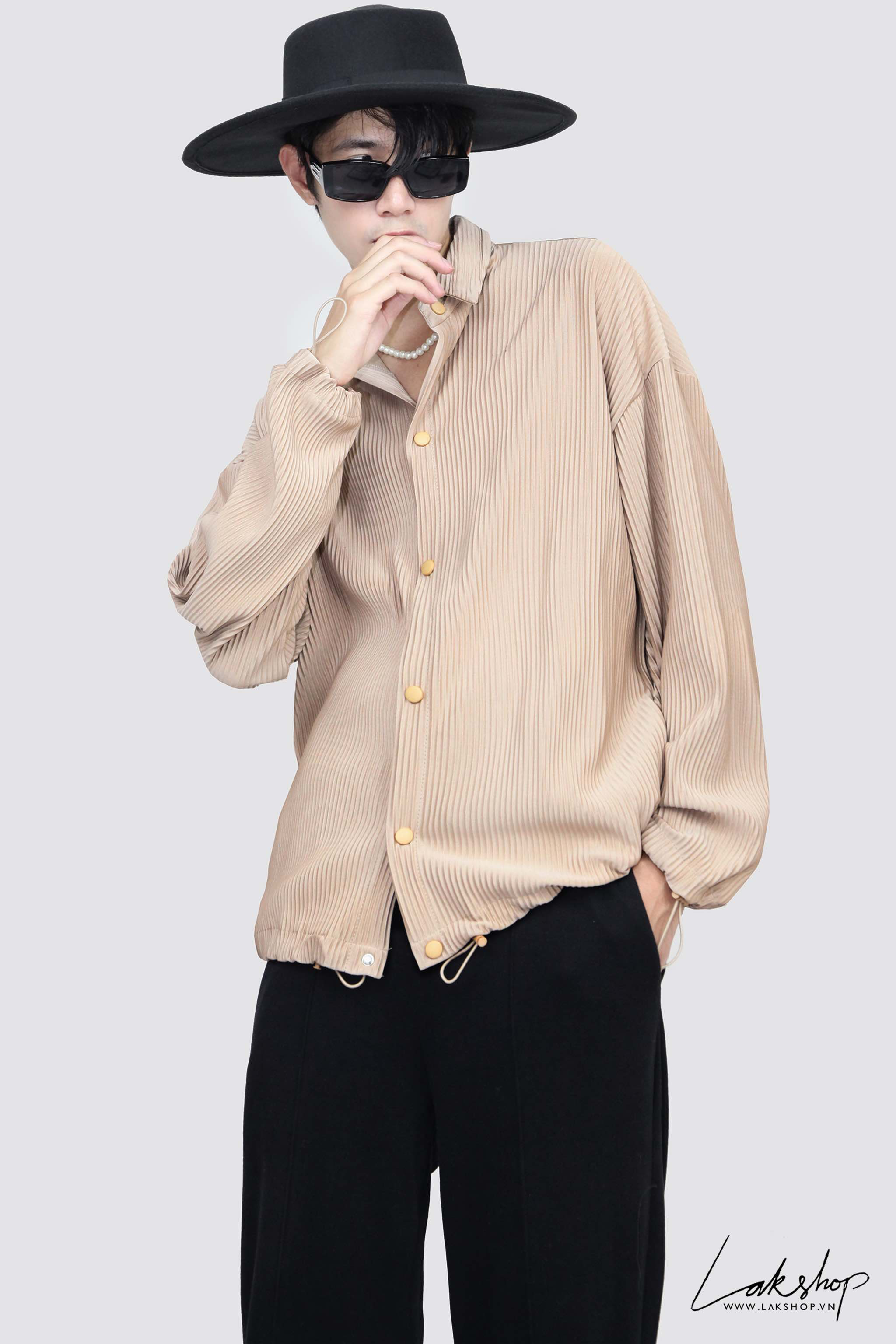 Oversized Pleated Shirt in Begie