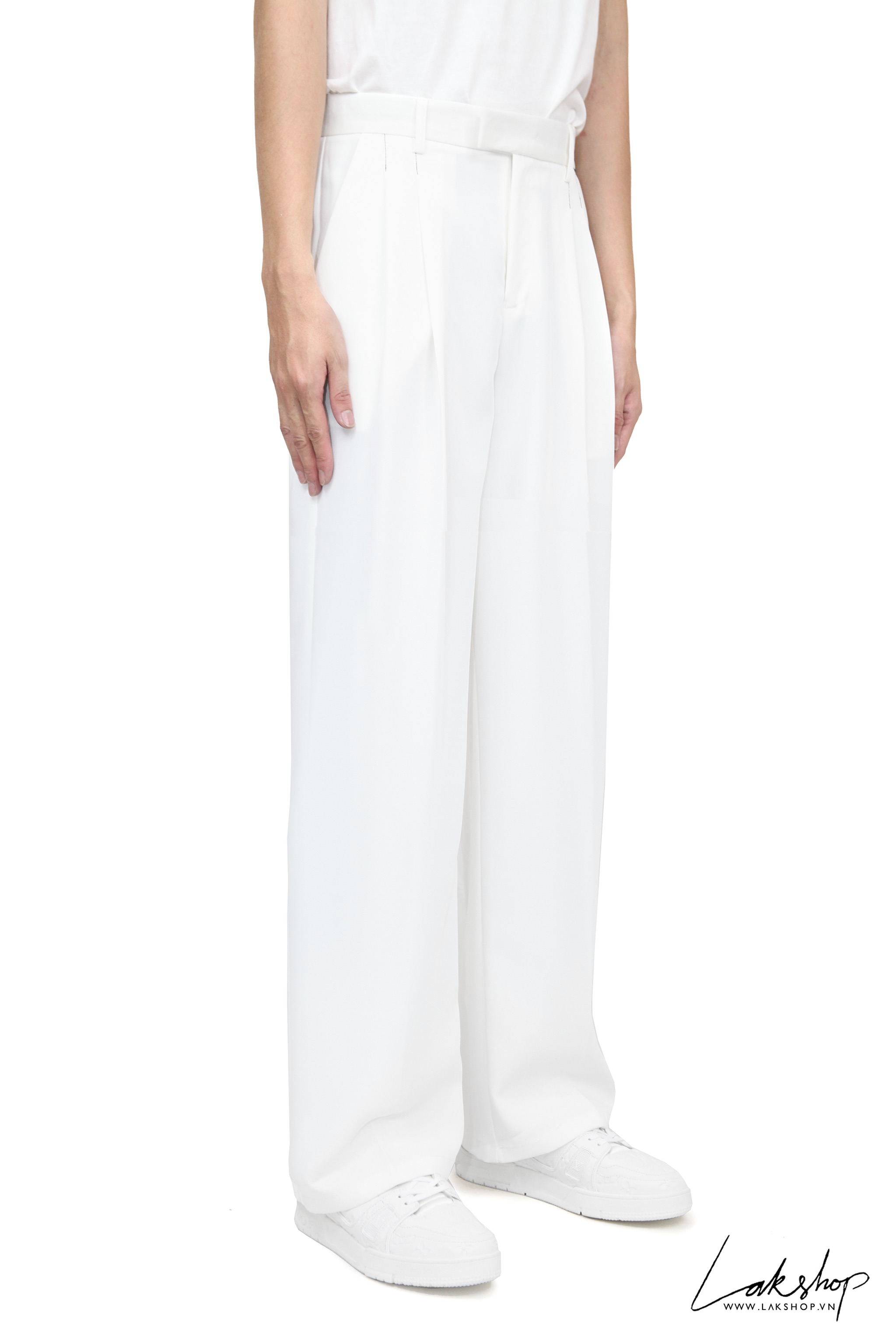 Loose White Loose Pant With Black Thread