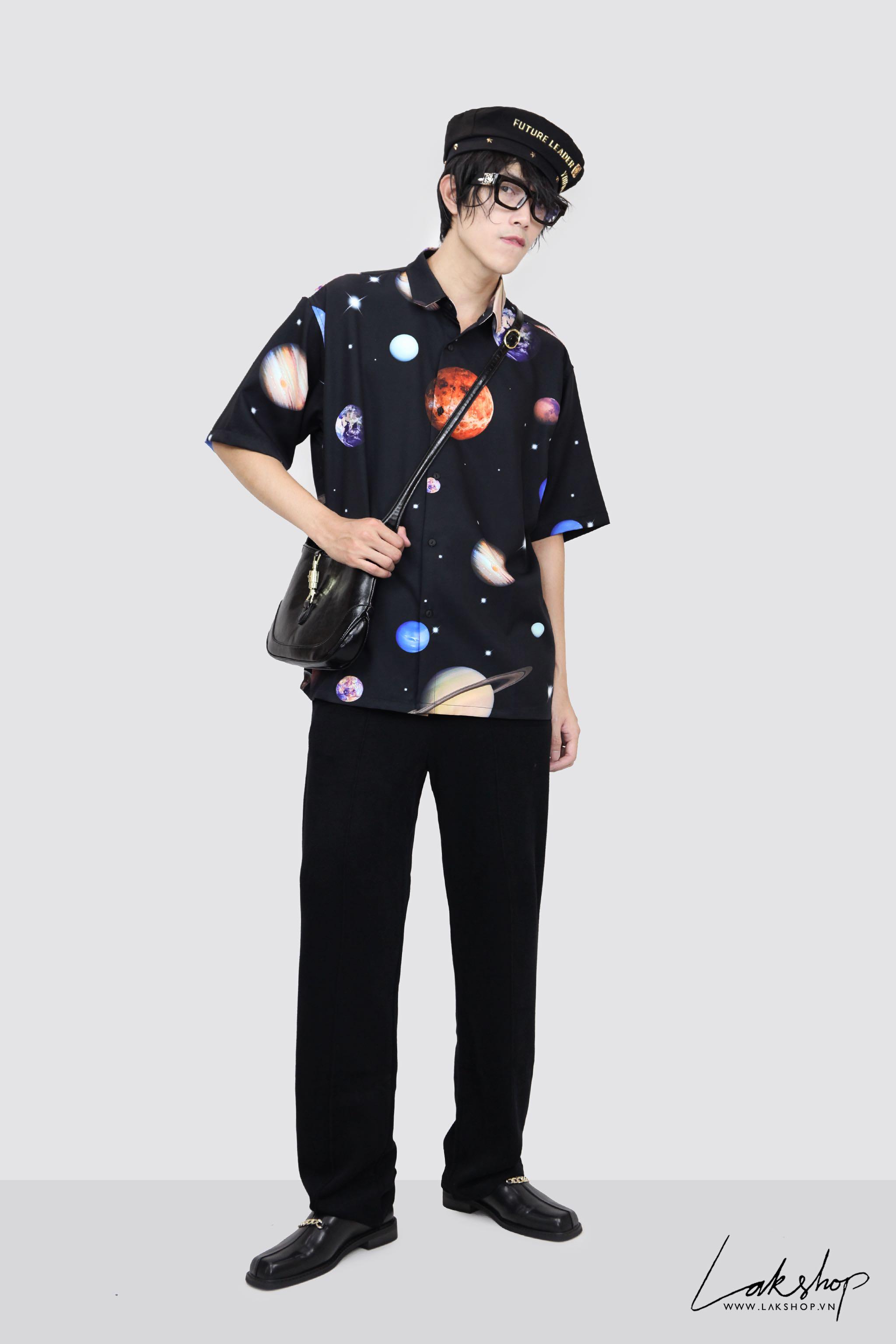 Oversized Galaxy Planet Print Short Sleeve Shirt cv2