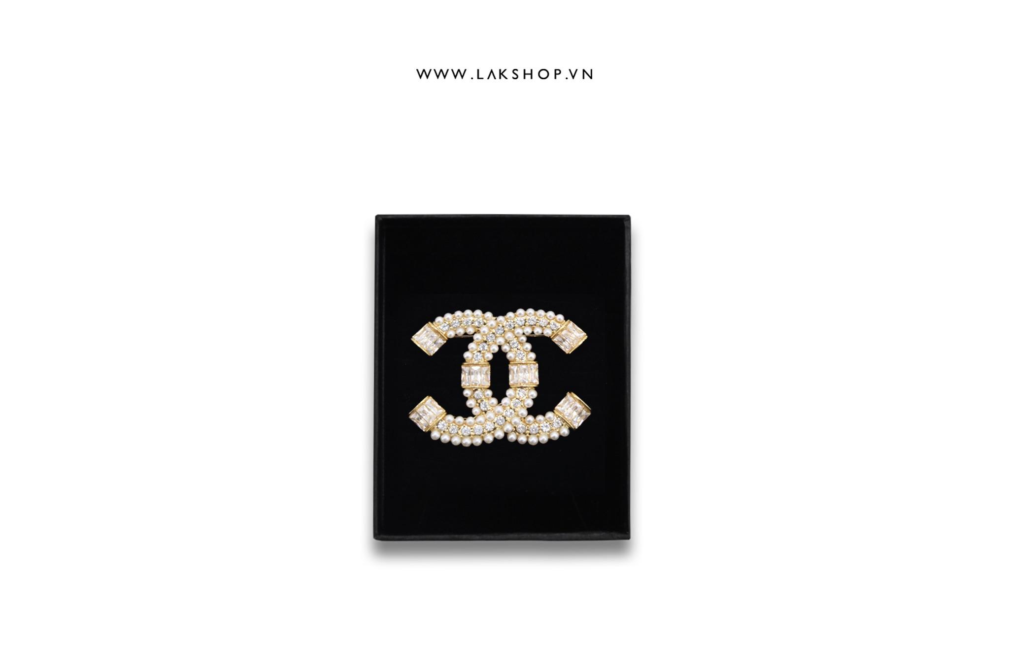 Trâm cài Logo Chanel 2 Viền Ngọc 2 Đầu Đá Vàng