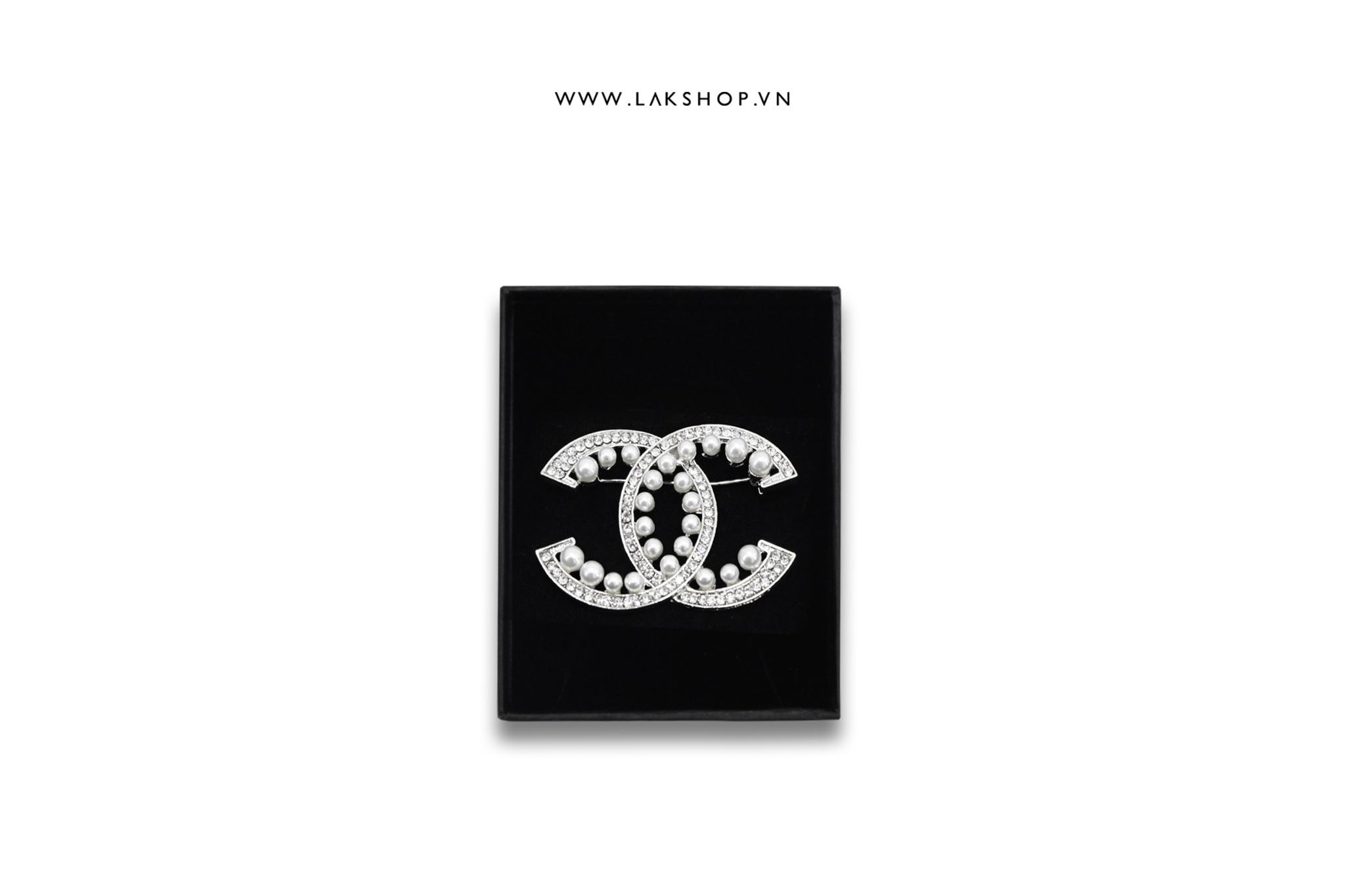 Trâm Cài Chanel Logo CC Đính Ngọc Ngoài