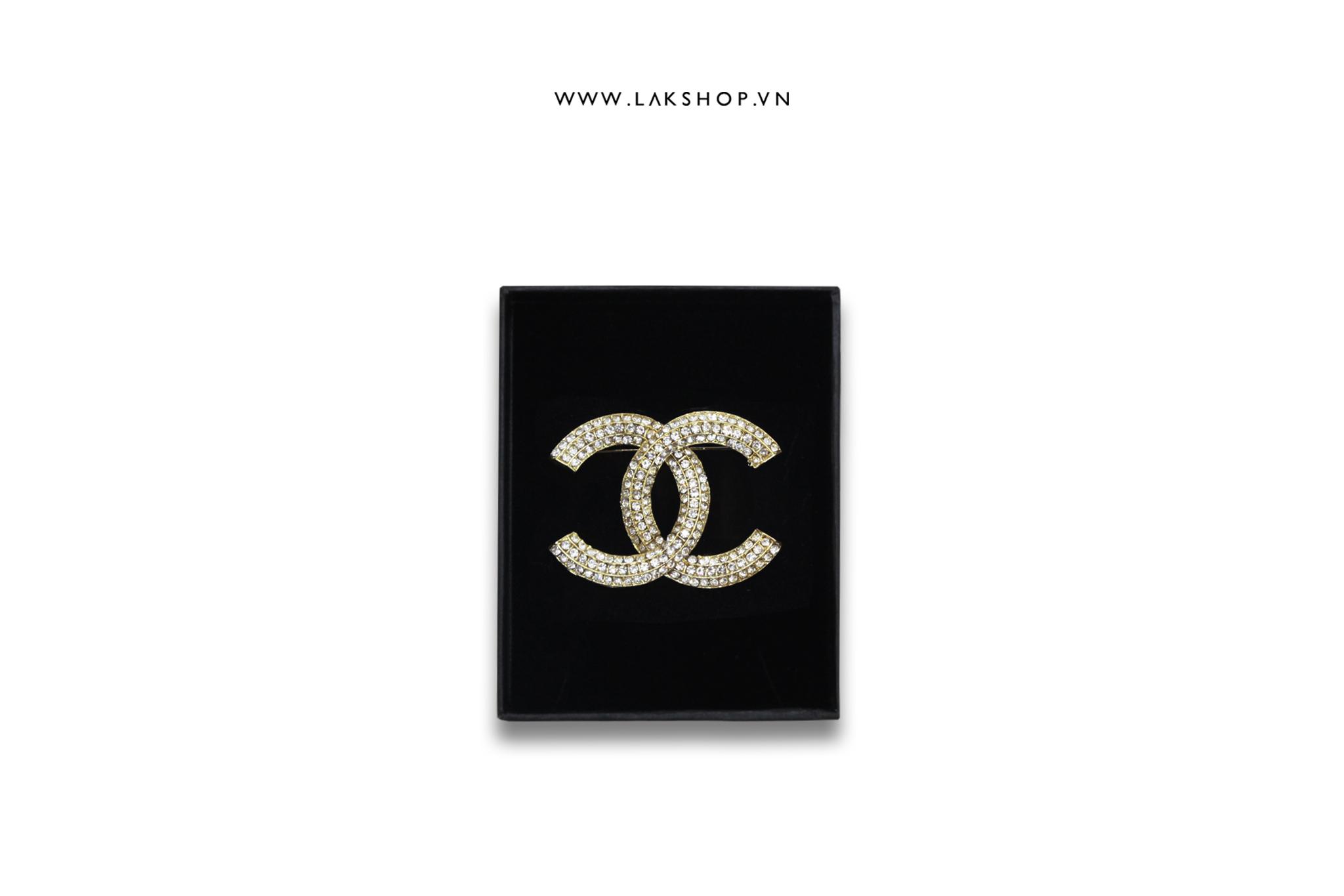 Trâm Cài Chanel Logo CC Viền Đá Bo Tròn Vàng