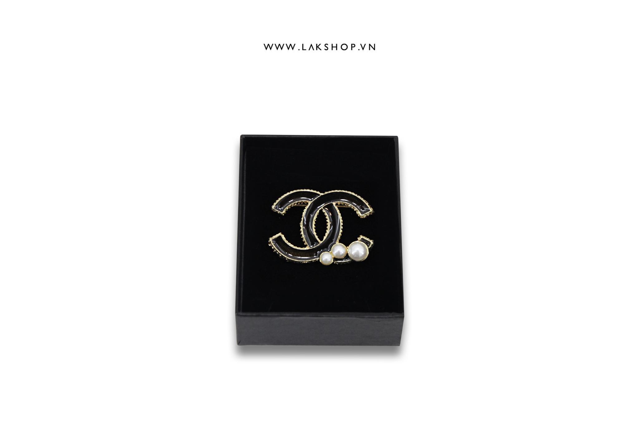 Trâm Cài Chanel Logo CC Vàng Đen 3 Hạt Ngọc