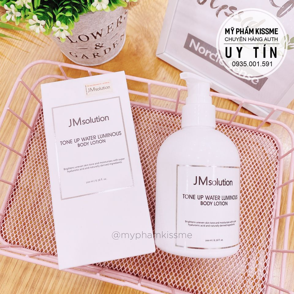 Sữa Dưỡng Nâng Tone Da JMsolution Water Luminous Tone Up Body Lotion