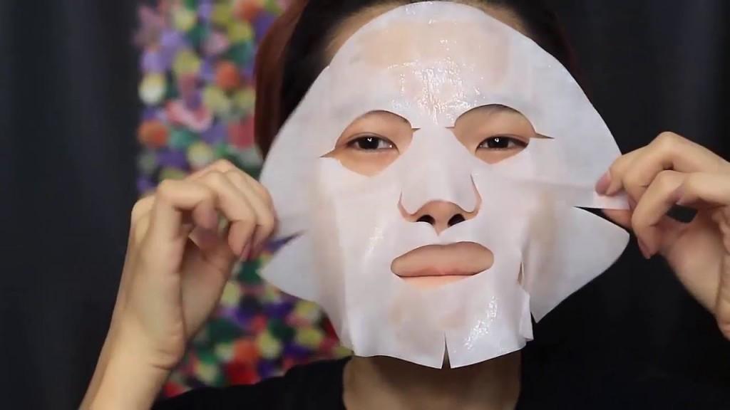 Thường xuyên đắp mặt nạ giúp làn da khô cải thiện đáng kể