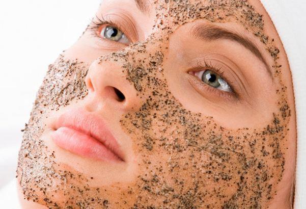 Lạm dụng tấy da chết để làm đẹp không được khuyến khích đâu nhé