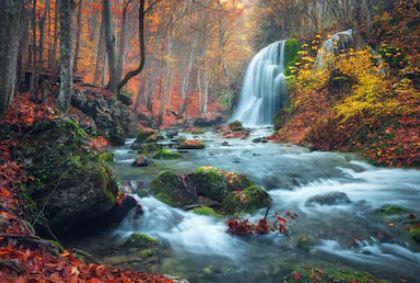 Tranh thác nước đẹp 10