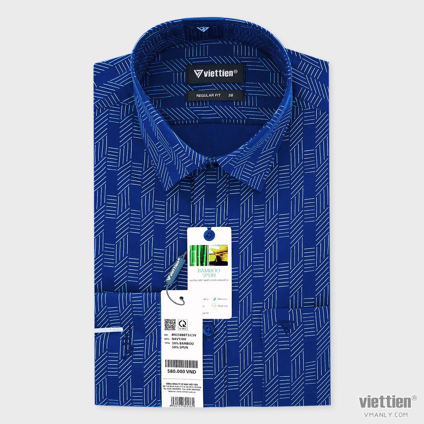 Áo sơ mi nam dài tay Việt Tiến có túi regular fit màu xanh hoa văn 8N2588BT5/L5V