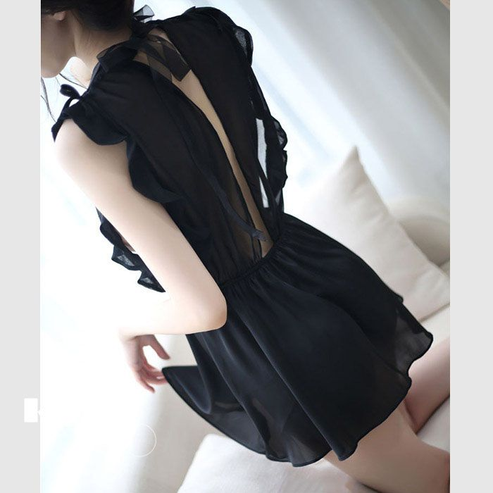 Đầm ngủ tay viền bèo xẻ ngực cao cấp