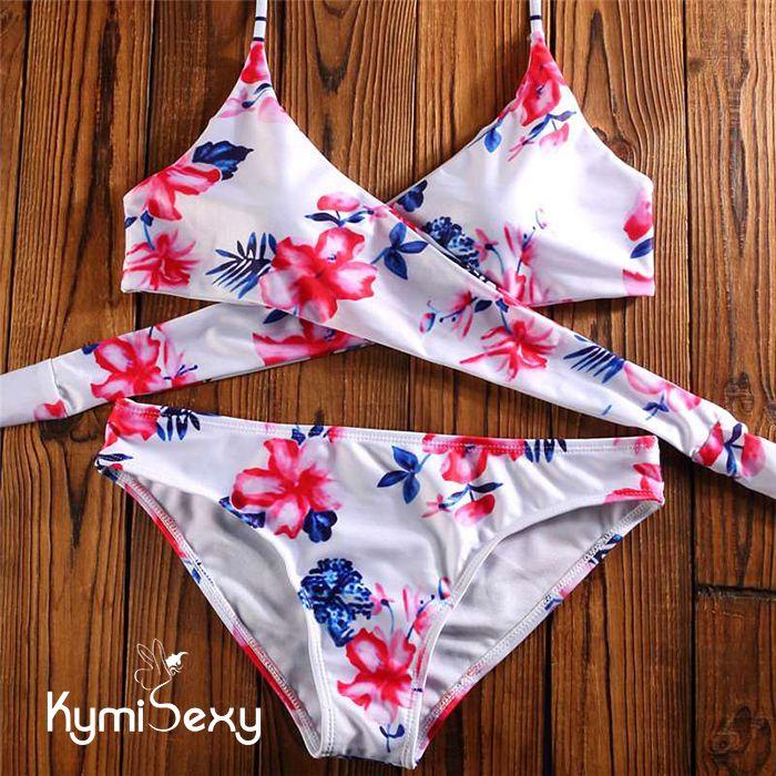 Bộ đồ bơi họa tiết hoa lá