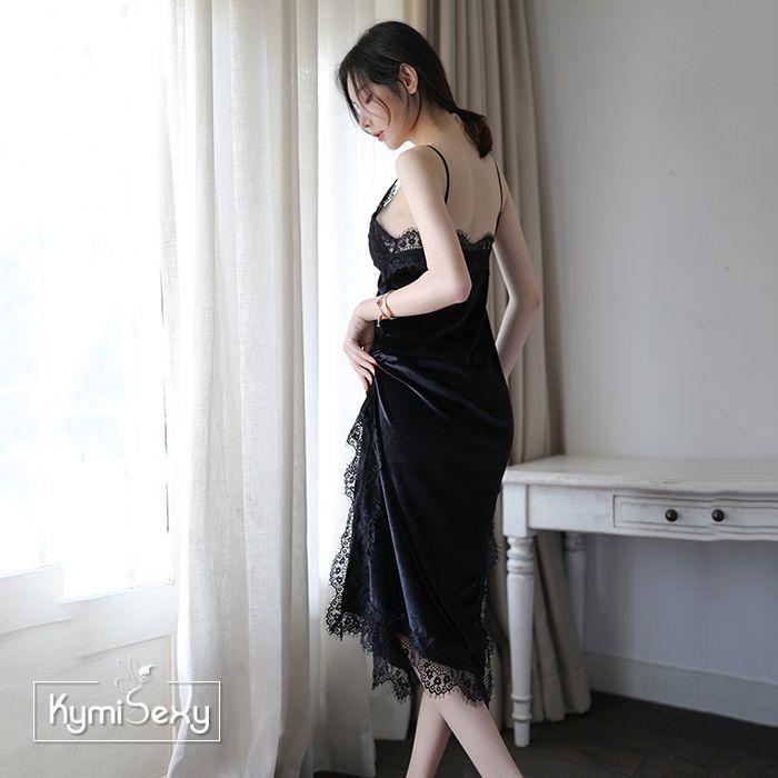 Váy ngủ nhung xẻ tà viền ren