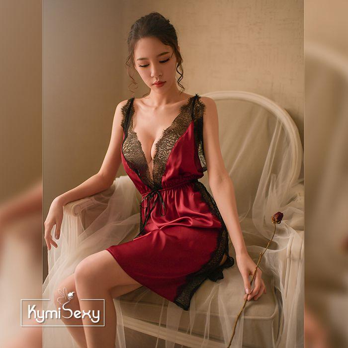 Váy ngủ phi lụa xẻ tà viền ren
