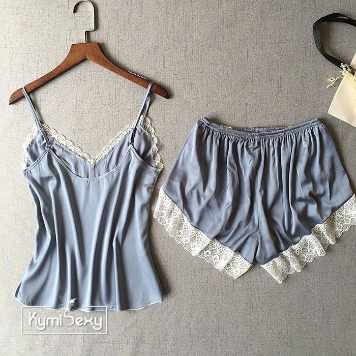 Bộ đồ nữ phi lụa  quần ngắn viền ren trắng