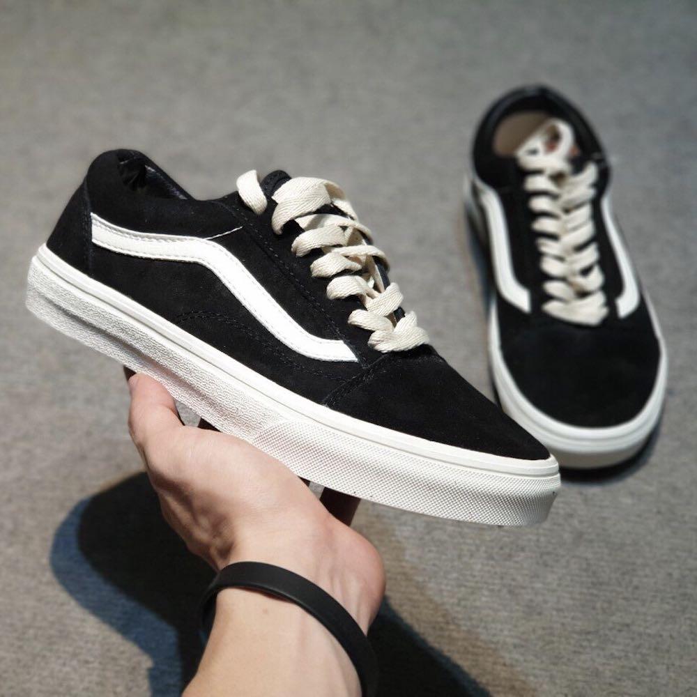 giay-sneaker-vans-old-skool-den-trang